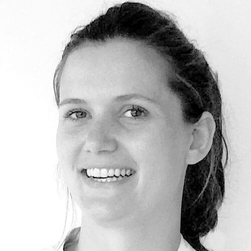 tandartspraktijk Mondain, Leonie van Dop
