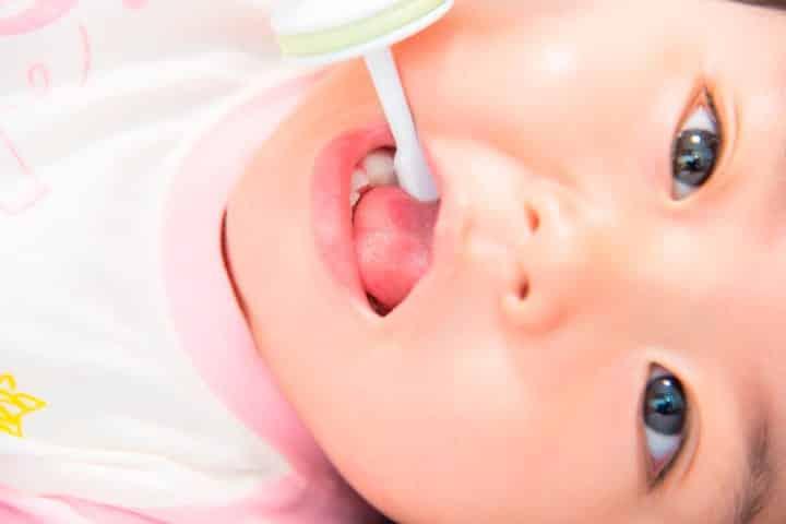 tanden-poetsen-bij-babys