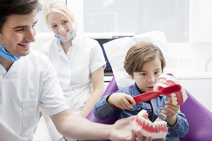 vanaf wanneer naar de tandarts